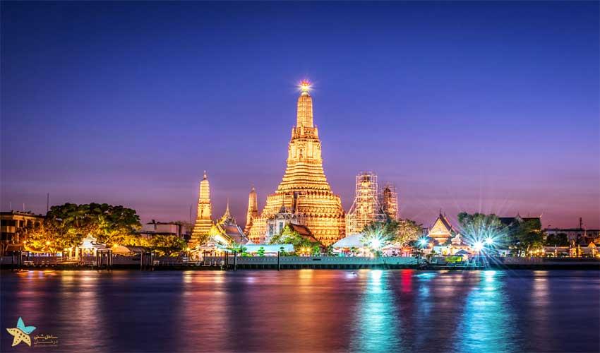 معبد وات آرون در شب