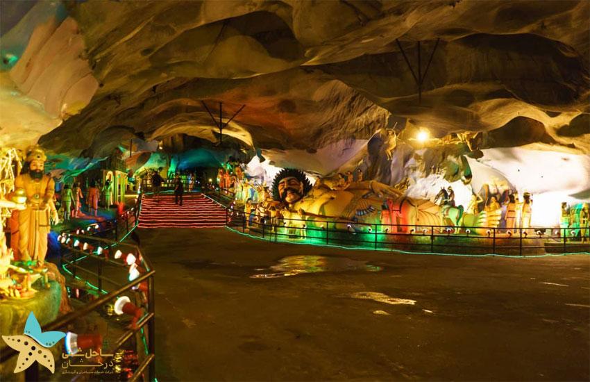 درون غار رامایانا