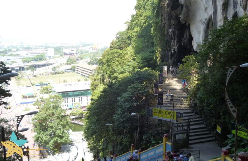 ورودی غار تاریک