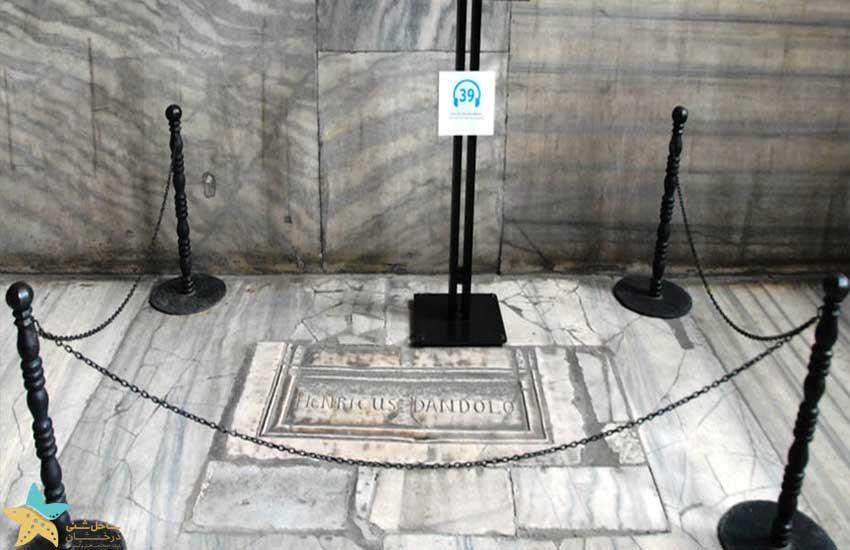 مقبرهی انریکو داندولو