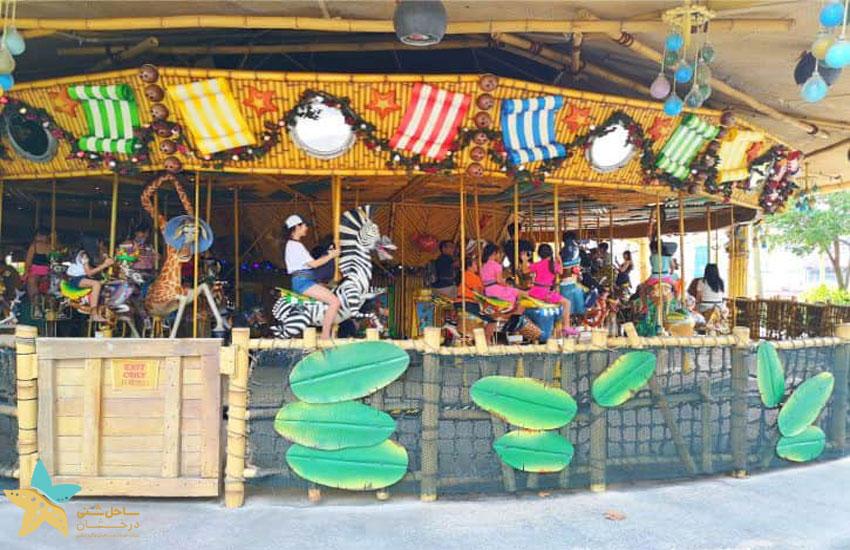 King Julien's Beach Party-Go-Round | شهربازی یونیورسال سنگاپور