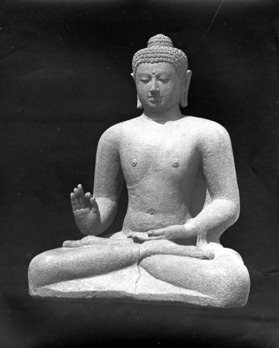 Borobudur Temple (12) statues