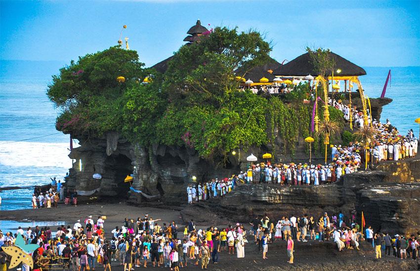 معبد تانالوت بالی