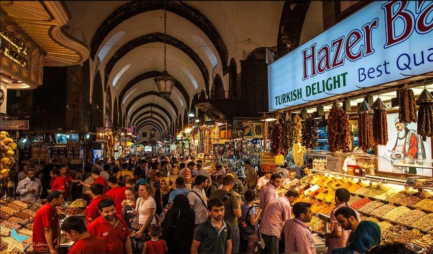 شلوغی بازار ادویه استانبول