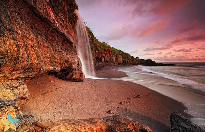 tanah lot temple Waterfall