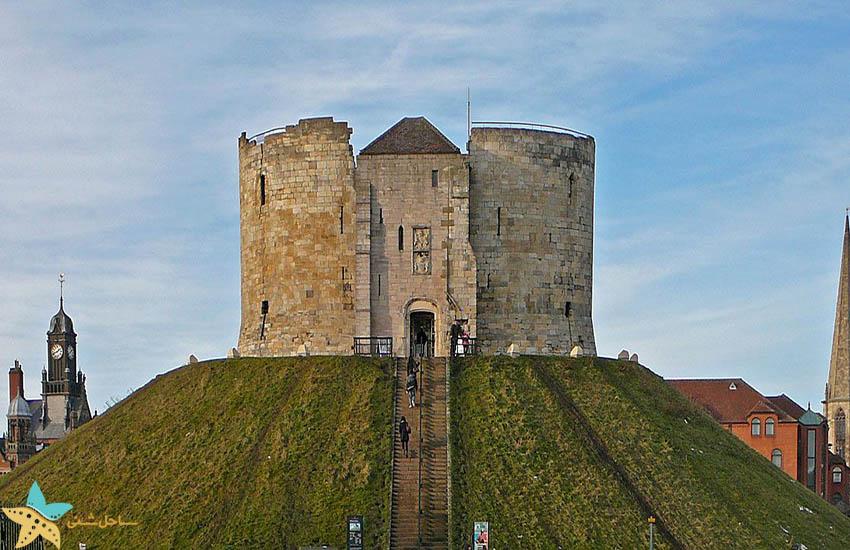 برج کلیفورد - جاذبههای گردشگری انگلیس