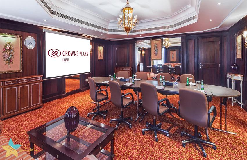 Crowne Plaza Hotel Dubai (2)