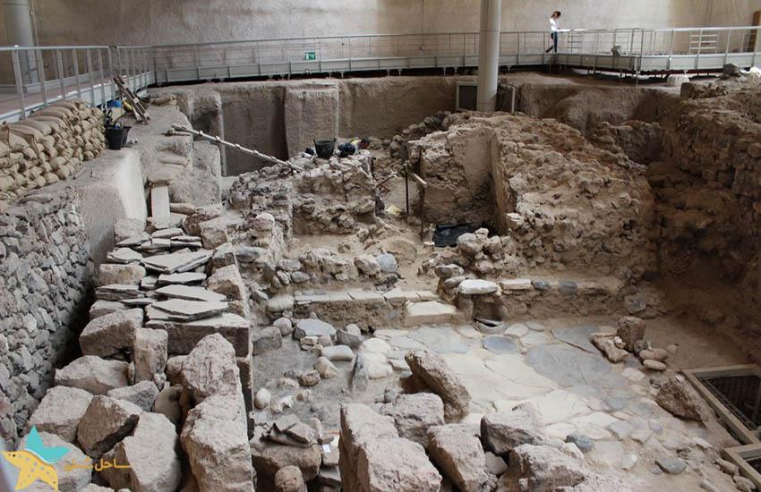 سایت باستان شناسی آکروتینی