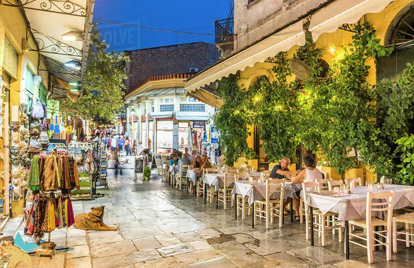 پلاکا - جاذبههای گردشگری یونان