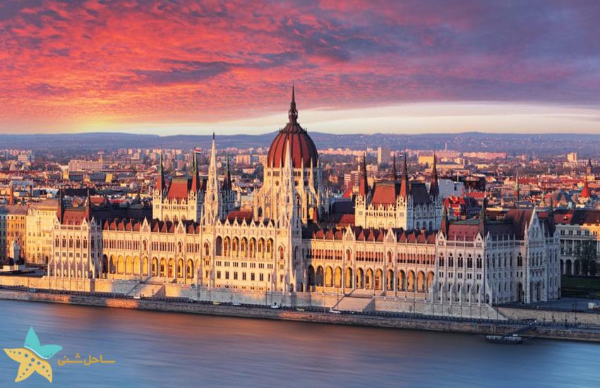 ساختمان پارلمان مجارستان در بوداپست