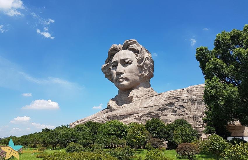 مجسمه مائو جوان در استان هونان - جاذبههای گردشگری چین