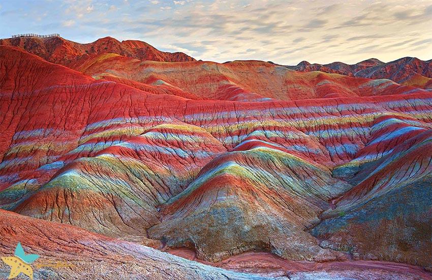 کوههای رنگین کمان - جاذبههای طبیعی چین