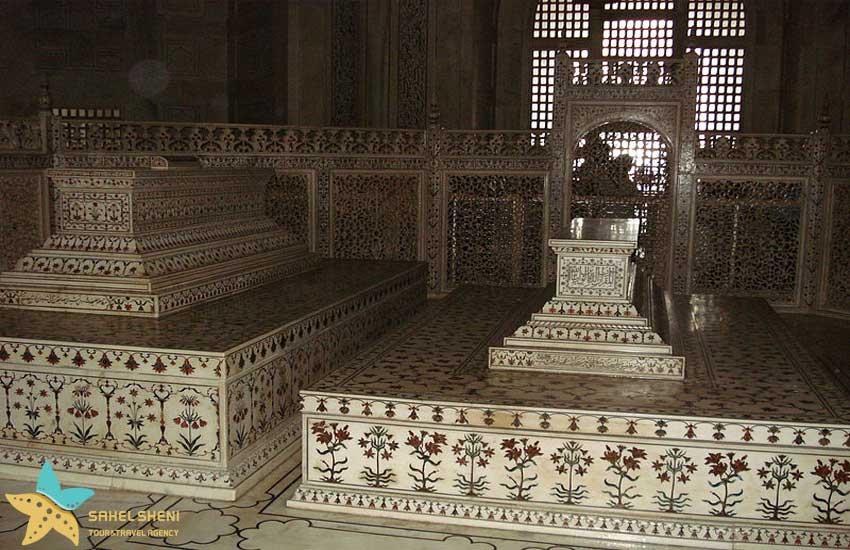قبرهای ممتاز محل و شاه جهان