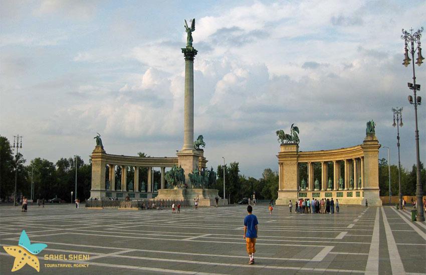 میدان قهرمانان