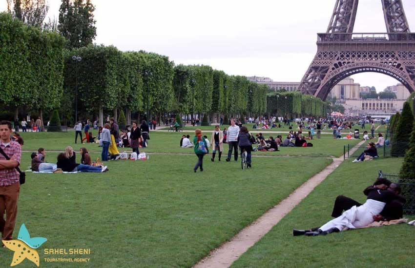 Champ de Mars پاریس