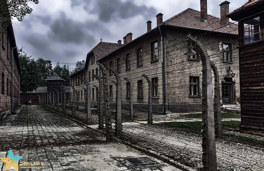 آشوویتس یک - مشهورترین یادبودهای هولوکاست