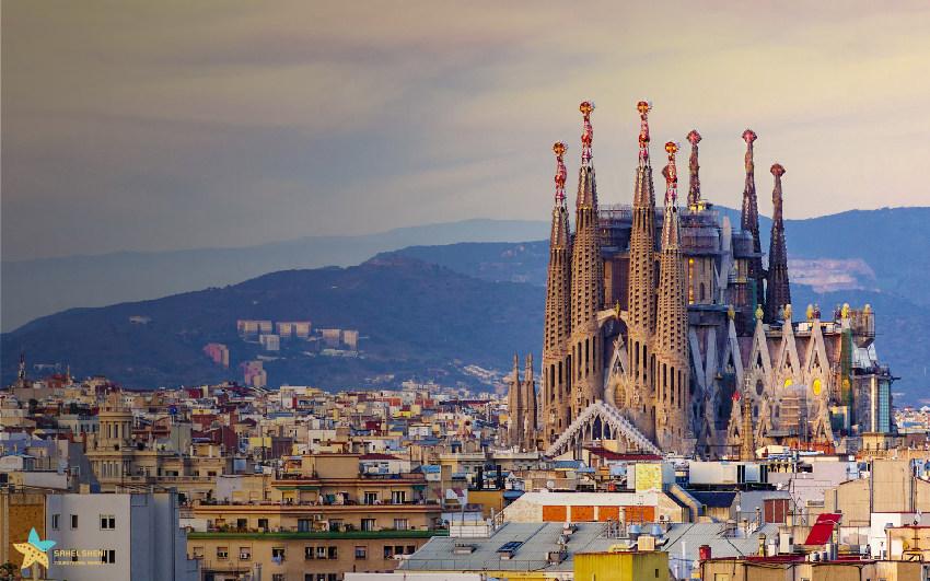 اسپانیا و کلیسای ساگرادا فامیلیا