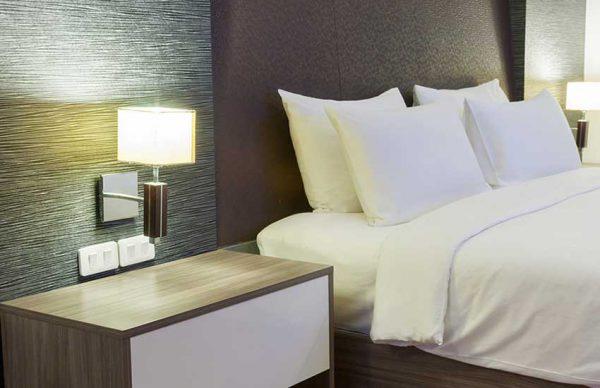 آیا میتوان با وجود کرونا در هتل اقامت داشت؟